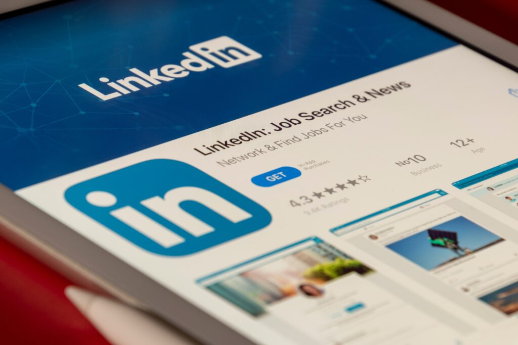 10 Simple Actions To Stand Out Professionally Using LinkedIn